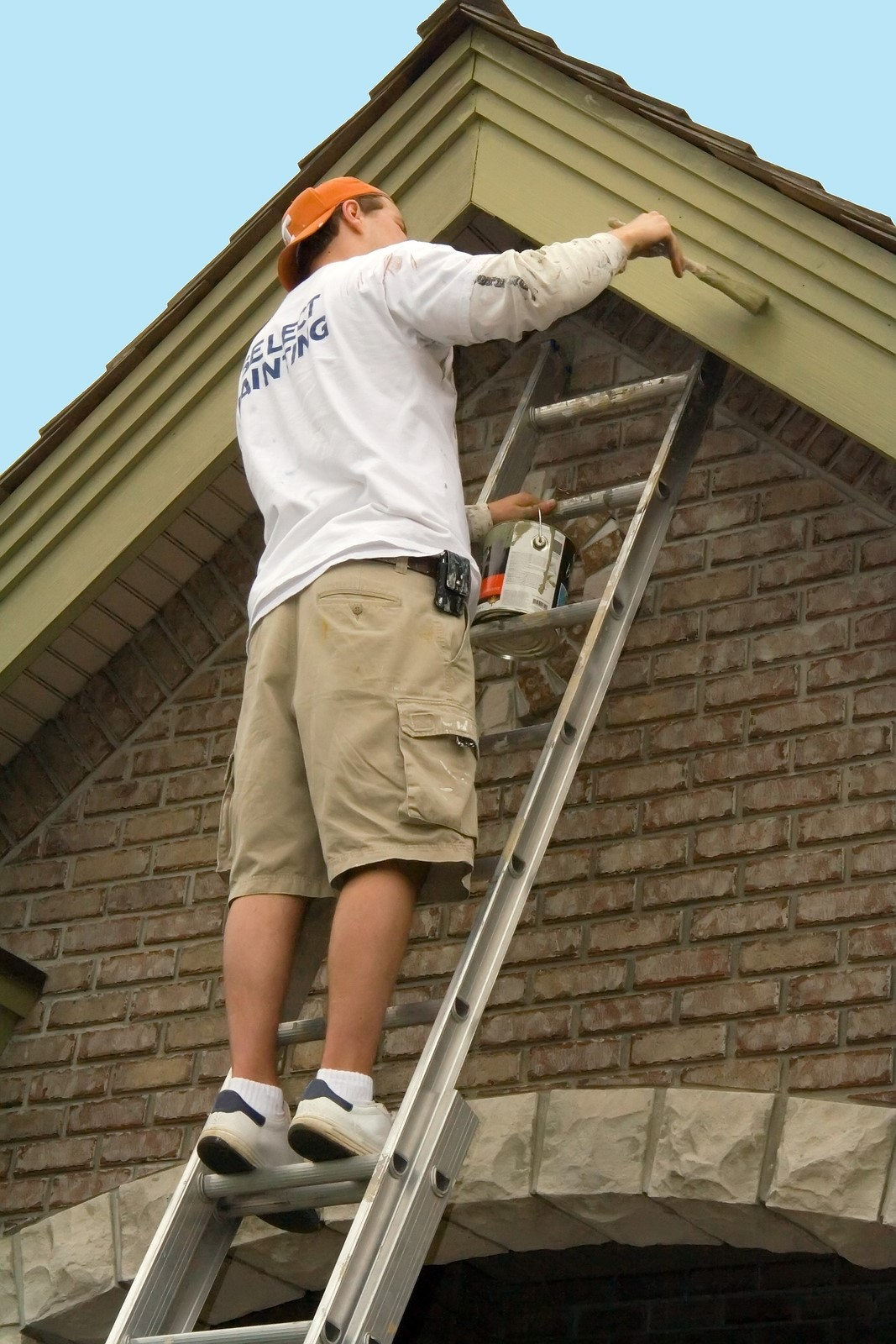 hire a handyman in coventry for help in painting the house u0027s exterior
